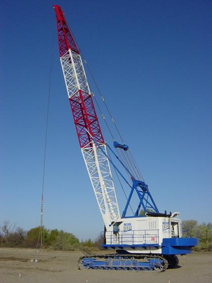 Matériel – Grue utilisée pour la réalisation des plots ballastés